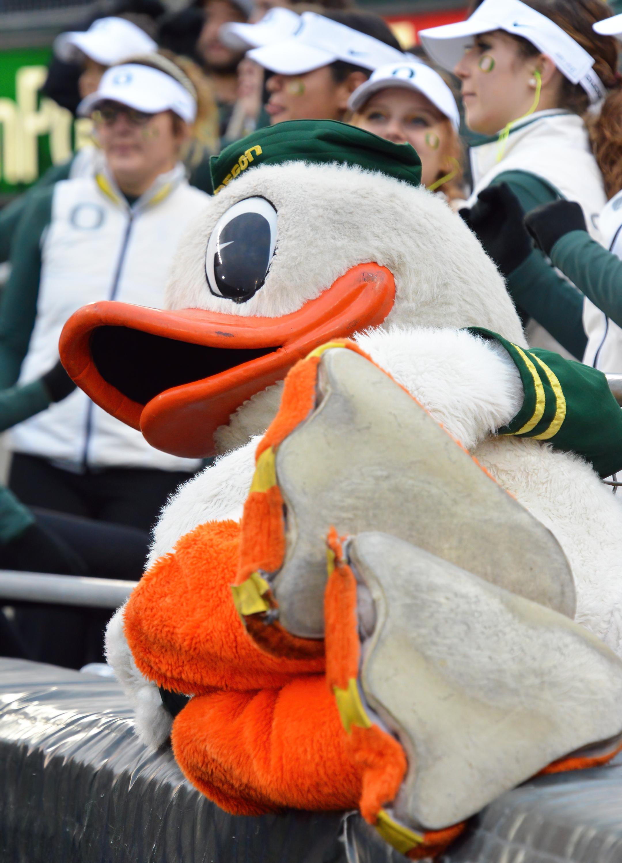 The Oregon Duck autzen stadium eugene topaz denoise ai-low-light